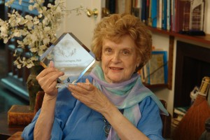 Dr. Patricia Carrington, one of our training mentors, holds her Award for Innovation in the field of Energy Psychology